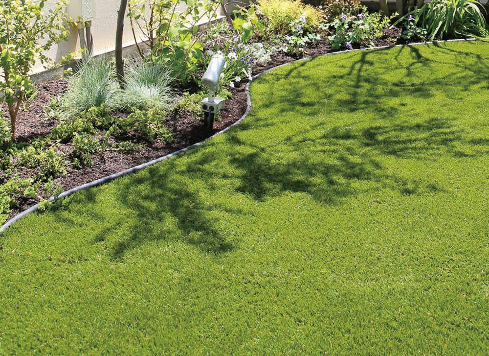 リアルな色みで耐久性に優れている人工芝