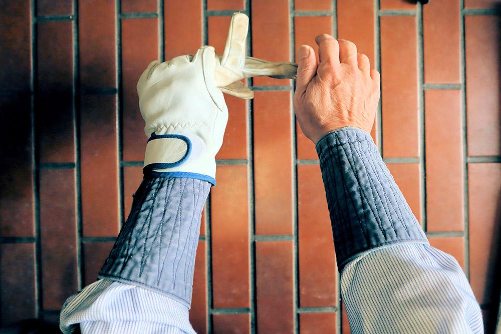 ガーデニングの手袋と手甲