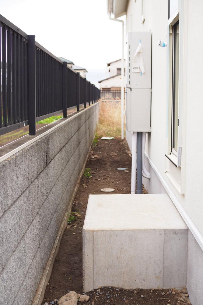 現代の環境は、コンクリートやアスファルトなどの人工物に囲まれている