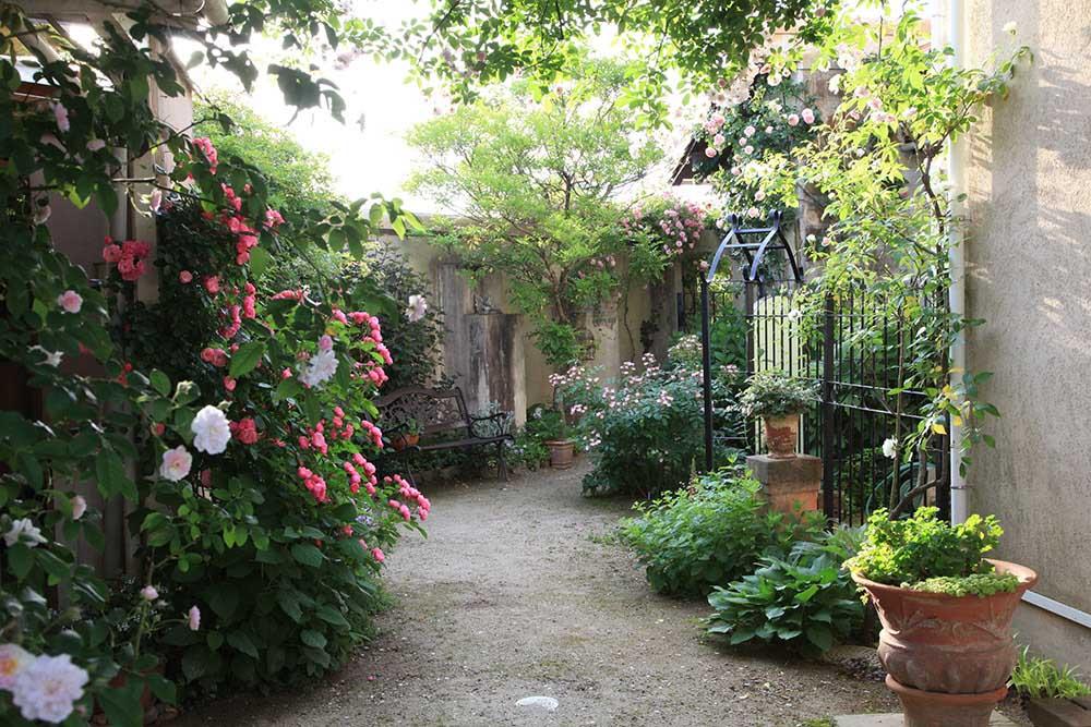ヨーロッパ風の中庭