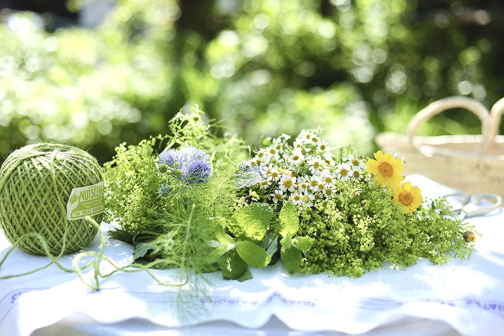タッジーマッジーブーケの花