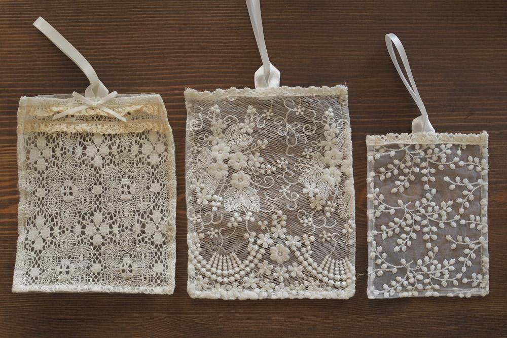 サシェとは、フランス語で香料や乾燥ハーブを詰めた小さな香り袋