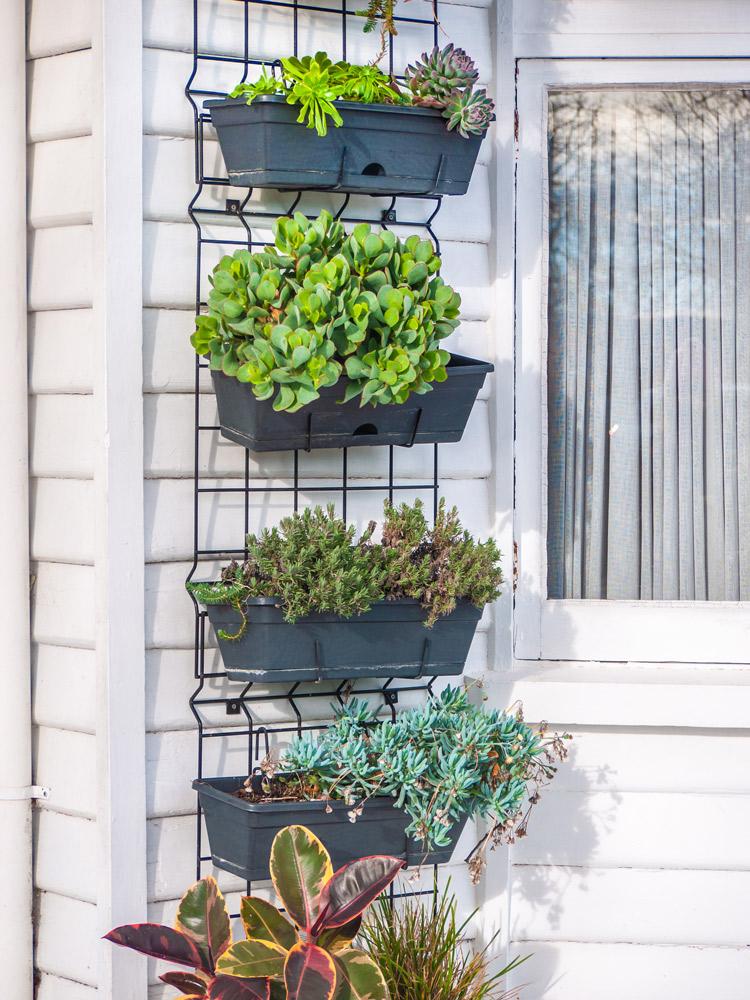 グリッドパネルは屋外でも便利。Shuang Li/Shutterstock.com