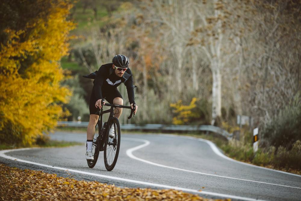 スポーツ自転車のデザインウォールをつくろう!