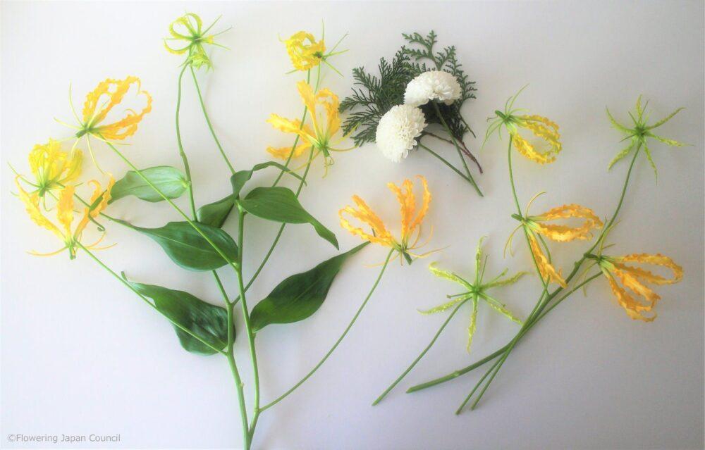 グロリオサのアレンジの花材