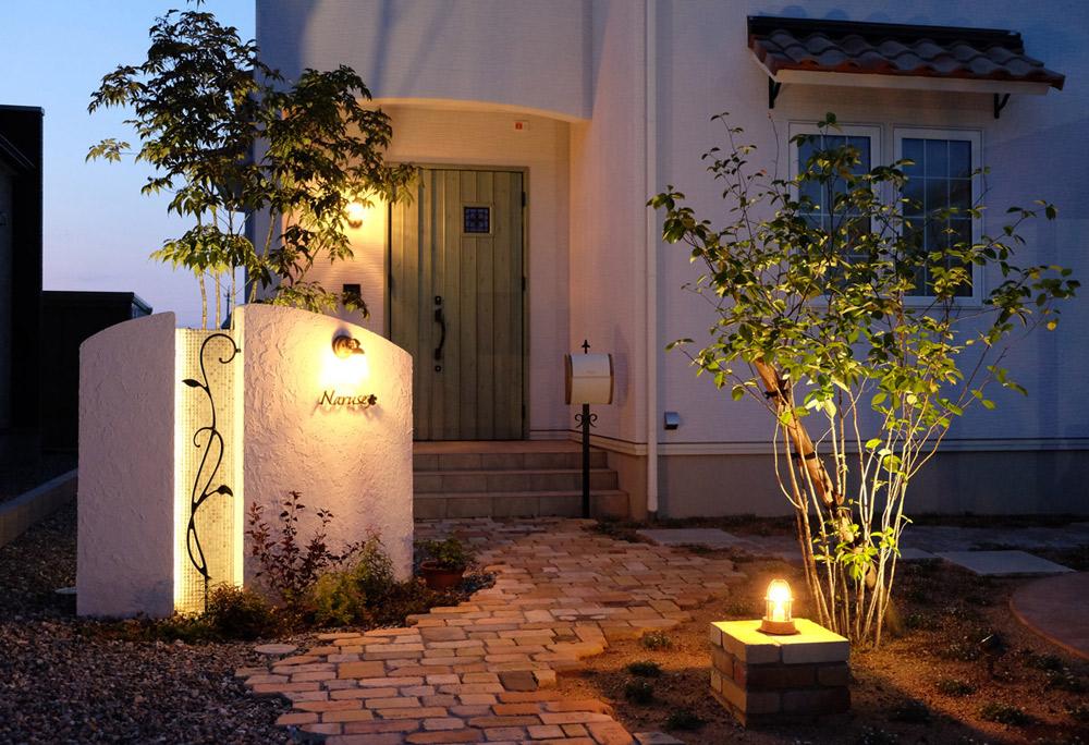 カントリーテイストの住宅に似合うオススメのライト