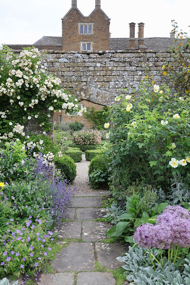 ブロートン・カースルの庭
