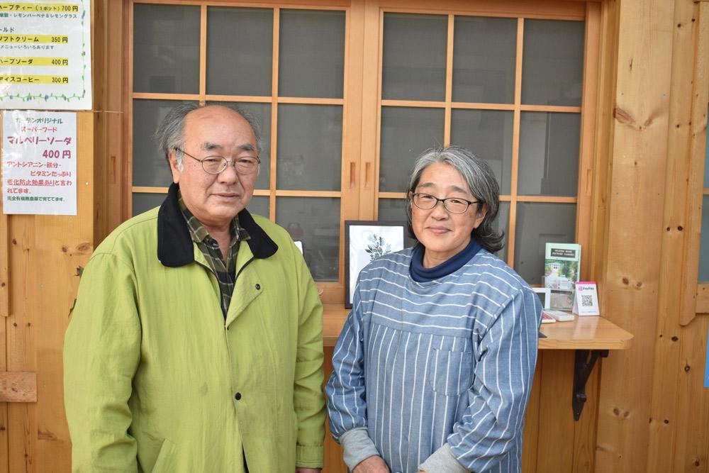 (左より)3.11プロジェクト代表の鎌田秀夫さん、雄勝ローズファクトリーガーデン管理人の徳水利枝さん