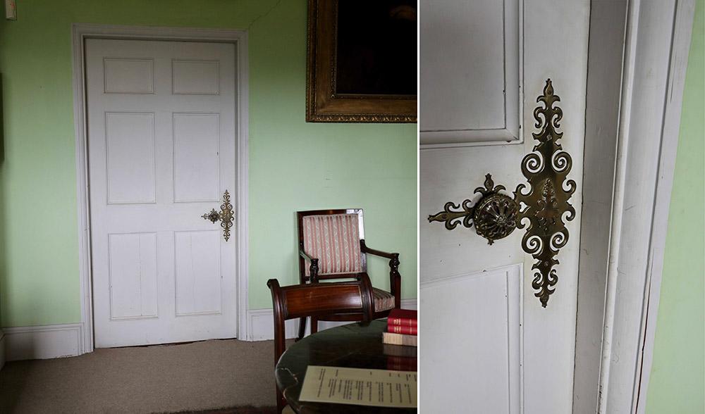 ブロートン・カースルの扉
