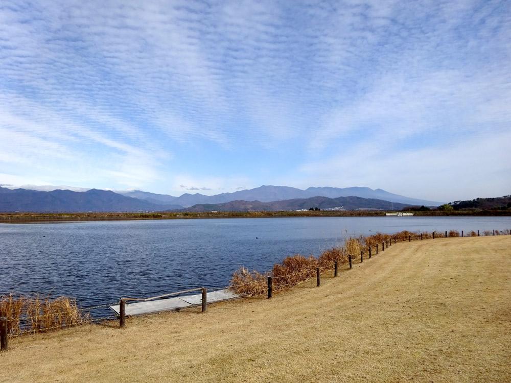 年間雨量の少ない上田市塩田地区の溜め池