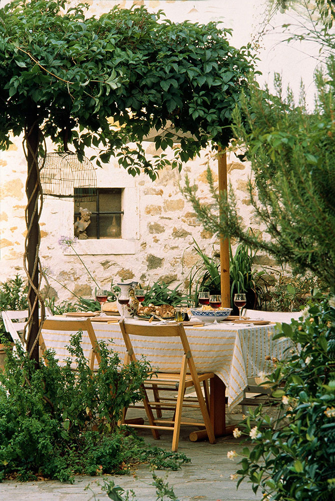 Italian Outdoor Table Setting