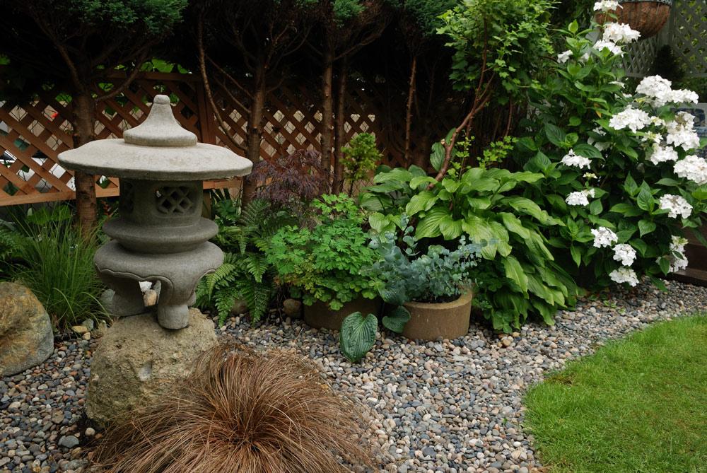 和風でも洋風でも合わせられる庭づくり