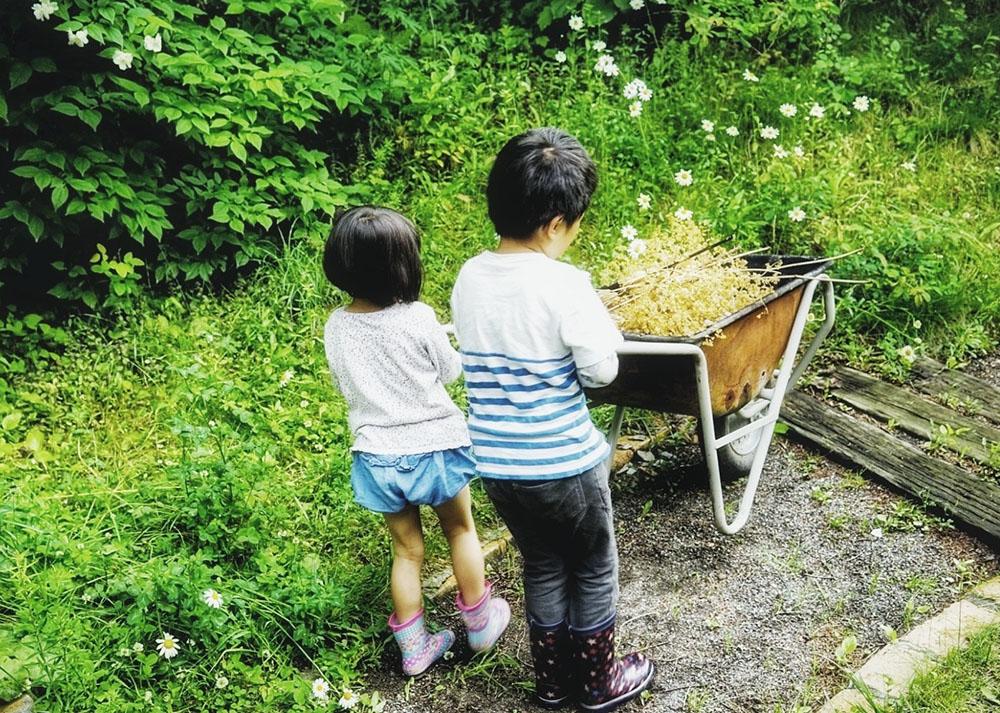 子どもたちと庭づくり