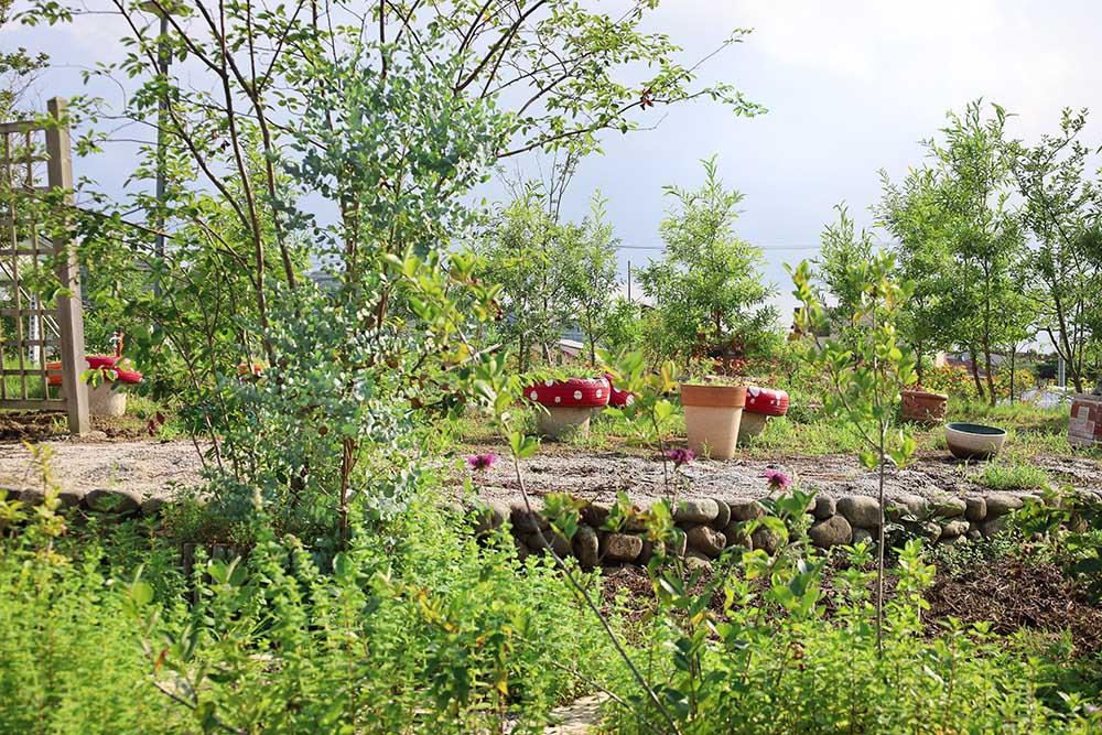「道の駅」庭園の郷 保内