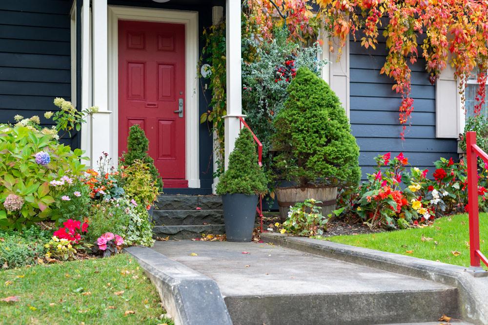 ステキなお庭にするためのカラーコーディネートを考えるVol.1 ~簡単な色の知識とイメージキーワード~