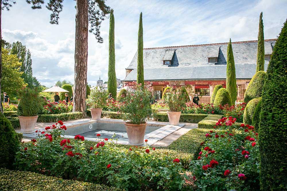 クロ・リュセ城の庭園